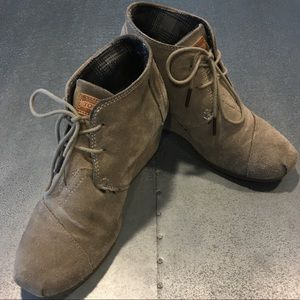 TOMS / Desert Wedge Booties / Size 8.5